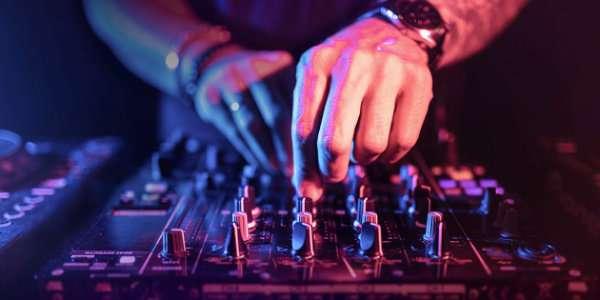 DJ: Mix