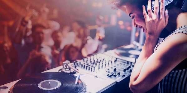DJ: Set